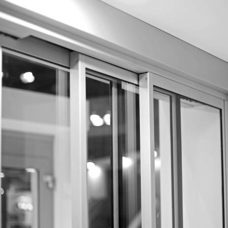 Pintu Otomatis Revolus Ruang Isolasi