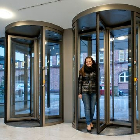 Pintu Otomatis Revolving Doors and Security Turnstiles