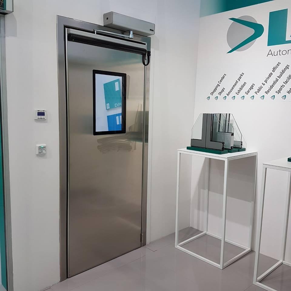 Pintu Otomatis Eterna Ruang Laboratorium